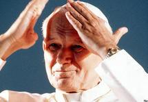 Bienheureux Jean-Paul II, béatifié le 1er mai 2011 en la Saint Joseph travailleur, fêté le 22 octobre
