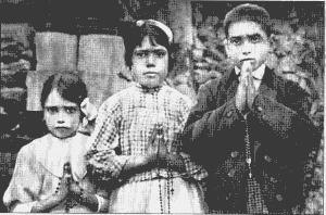 François, Jacintha ( tous les deux béatifiés) et Lucie, les enfants de Fatima