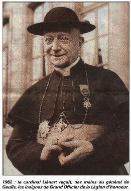 Mais Mgr Liénart a reçu cette réponse. Nommé au siège de Lille le 6 octobre 1928, il connaît bien le conflit, qui oppose syndicats et patronal chrétien, pour avoir été curé-doyen de Saint-Christophe à Tourcoing.  Son premier geste spectaculaire de soutien aux grévistes est suivi d'une lettre parue dans la « Semaine religieuse de Lille » du 3 mars 1929, dans laquelle il s'explique : « J'ai reconnu la voix de l'âme chrétienne dans cette demande d'arbitrage formulée par les syndicats libres (…) ; l'arbitrage est un moyen, supérieur à la lutte sans merci (…) ; ceux qui le proposent et l'acceptent, sans savoir à qui l'arbitre donnera raison, font un geste que l'Eglise et la conscience approuvent »… « Si les communistes seuls donnent des secours à leurs adhérents, nos chrétiens, dans une extrême misère, seront tentés de s'inscrire dans leurs rangs ». Le nouvel évêque prend nettement position en faveur des grévistes.