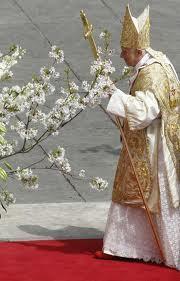 Le célibat sacerdotal et la virginité consacrée, signes lumineux de la charité pastorale. Benoît XVI
