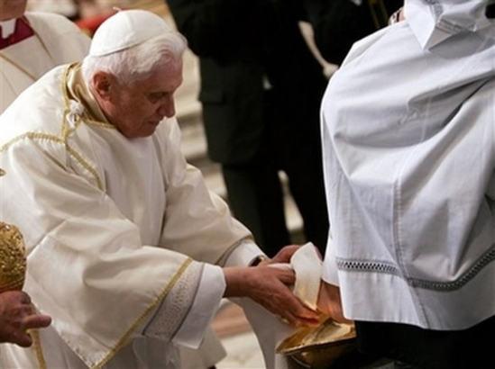 """L'Eglise, sainte et irréprochable? """"Il est pour l'éternité celui qui nous aime le premier"""""""