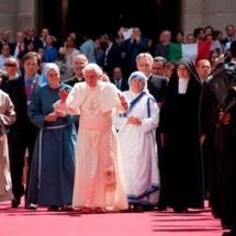 Choisir une communauté aujourd'hui ? 6) Vie consacrée religieuse et/vie consacrée dans le monde ( séculière)