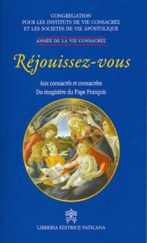 """Mieux connaître les Consacrés et les situer dans la structure de l'Eglise, sans les mettre """" dans des schémas préfabriquées"""" ( Pape François)"""
