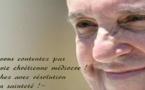 """Pape François : """" Allons à Paris, parlons clair : on ne peut cacher cette vérité que chacun a le droit de pratiquer sa religion, sans offenser, librement."""""""