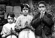 Les trois enfants de Fatima, dont deux ont été béatifiés par Jean-Paul II