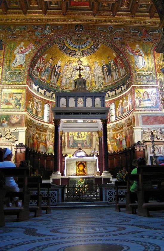 Mosaïque du XII° siècle, abside de la basilique Santa Maria in Trastévère, Rome. Le Christ et l'épouse du Cantique des Cantiques, couronnée. L'épouse est l'Eglise, et elle est Marie à qui la basilique était dédiée.
