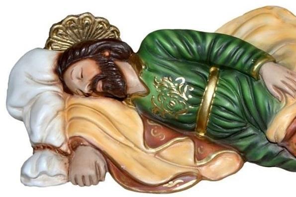Saint Joseph endormi, le pape François raconte confier ses soucis en plaçant des billets avec ses intentions sous une statuette de st Joseph endormi
